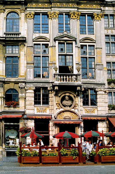 Dining al fresco - Grand Place - Brussels, Belgium