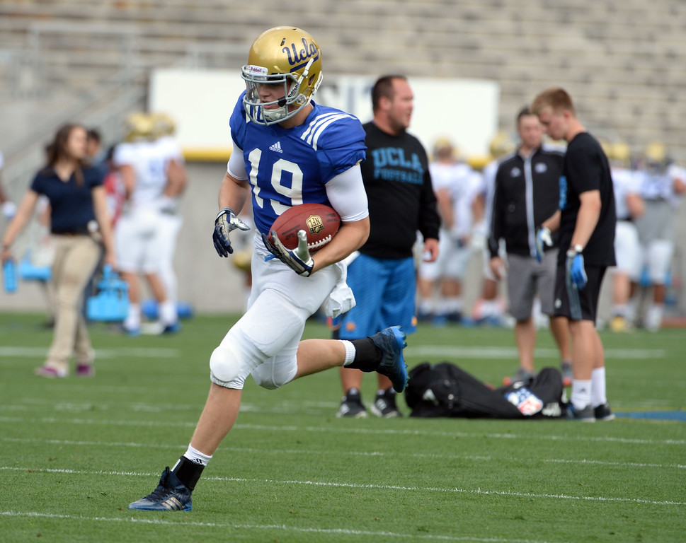 . UCLA Bruins wide receiver Craig Myers during a NCAA college spring football game at the Rose Bowl in Pasadena, Calif., Saturday, April 25, 2015. (Photo by Keith Birmingham/ Pasadena Star-News)