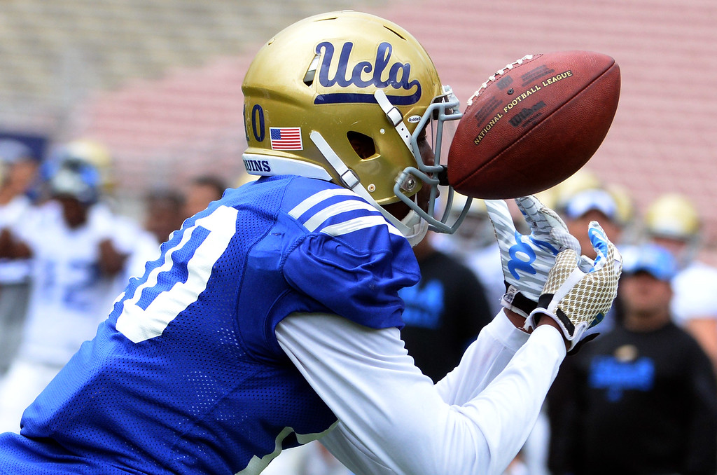 . UCLA Bruins wide receiver Kenneth Walker (10) during a NCAA college spring football game at the Rose Bowl in Pasadena, Calif., Saturday, April 25, 2015. (Photo by Keith Birmingham/ Pasadena Star-News)