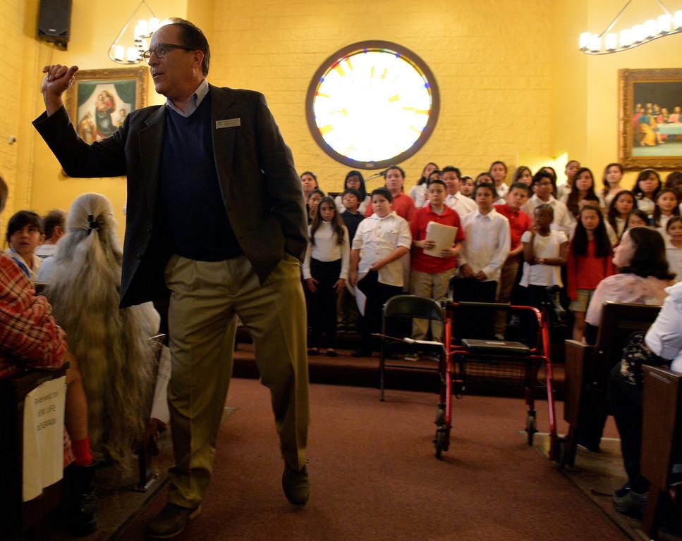 . Washington Middle School choir at the Long Beach Rescue Mission in Long Beach, CA. Wednesday November 27, 2013. (Thomas R. Cordova/Press-Telegram/Daily Breeze)