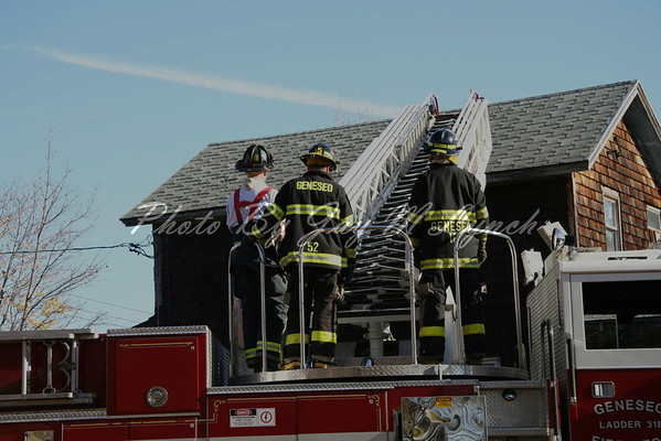 Geneseo FD - SCBA & Ladder Training - 42 East South St - November 12, 2005