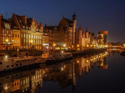 Havnefronten i gamle Gdansk ved aftentide.
