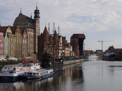 Havnefronten med 'Den Gamle Kran' Gdansk.