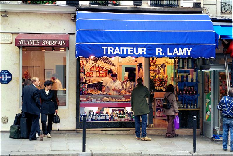 Paris street scene - Paris, France