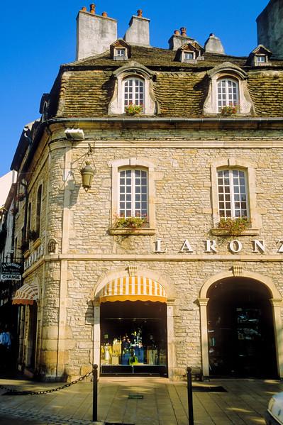 Street scene - Provence, France