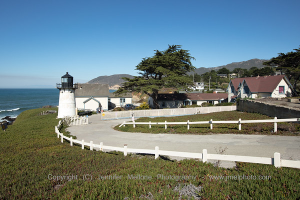 Driveway to Point Montara Lighthouse and Hostel