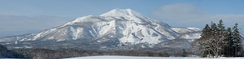 "2012-12-03 Niseko Hirafu Region<br />  <a href=""http://www.glenclaydon.com"">http://www.glenclaydon.com</a><br /> © Copyright Glen Claydon"
