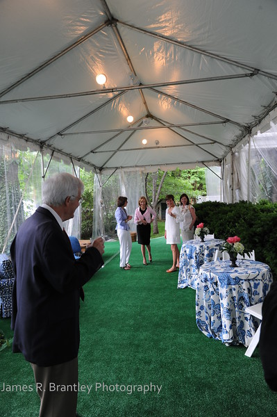 Judy Woodruff and Al Hunt celebrate the college graduation of their son, Jeffrey, and their thirtieth anniversary at their home in Washington, DC on Saturday, May 22, 2010.    (James R. Brantley)
