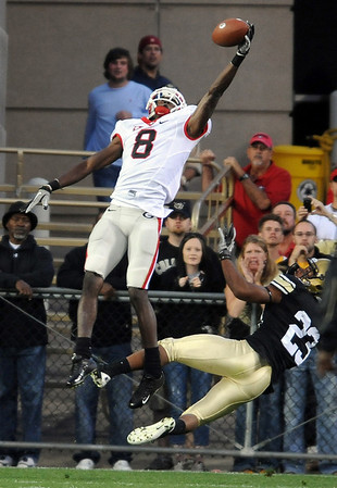 "AJ Green of UGA makes a one handed catch against CU.<br /> For more photos from the game go to  <a href=""http://www.dailycamera.com"">http://www.dailycamera.com</a>.<br /> Cliff Grassmick / October 2, 2010"
