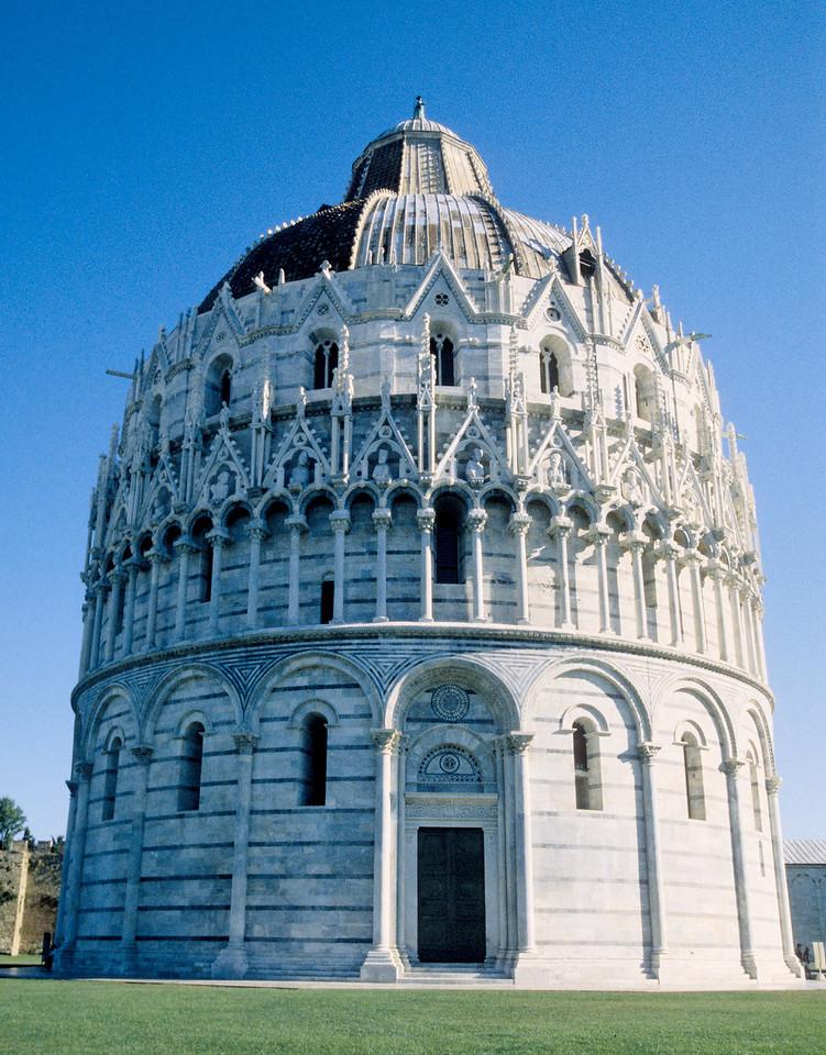 Piazza il Duomo - Pisa, Italy