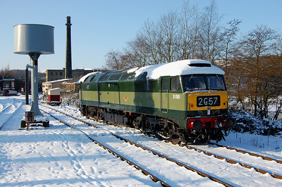 An artistic shot of 47402 in the snow at Rawtenstall whilst running round to work 2J60 1040 to Heywood (09/01/2010)