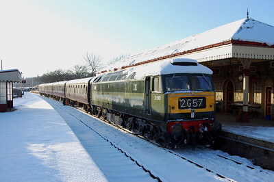 With several inches of snow covering the platforms, 47402 pauses at Ramsbottom with 2G57 0950 Bury-Rawtenstall during the Type 4/5 Diesel Theme Day at the East Lancashire Railway (09/01/2010)