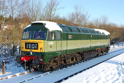 A first real look at the immaculate 47402, which has recently been unveiled in as close to 'as-built' condition as could realistically be achieved. The loco runs round at Rawtenstall after working 2G57 from Bury (09/01/2010)