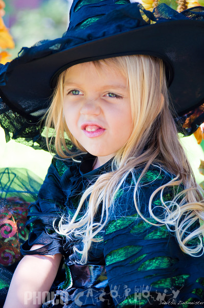 Halloween2011_Angelina&Sofia (15 of 17)