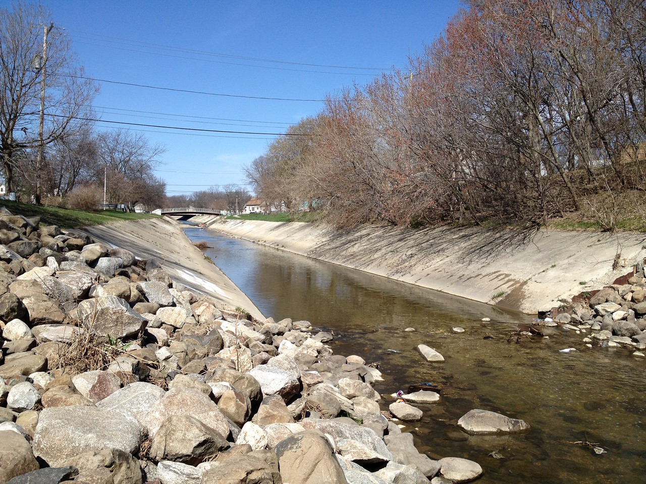 At one time, all of the Kinnickinnic River looked like this upstream, sterile, fast rushing concrete river.  Thanks to the efforts and financial assistance of many, the Kinnickinnic River is being restored to a more natural habitat that will sustain a more diverse biosystem.
