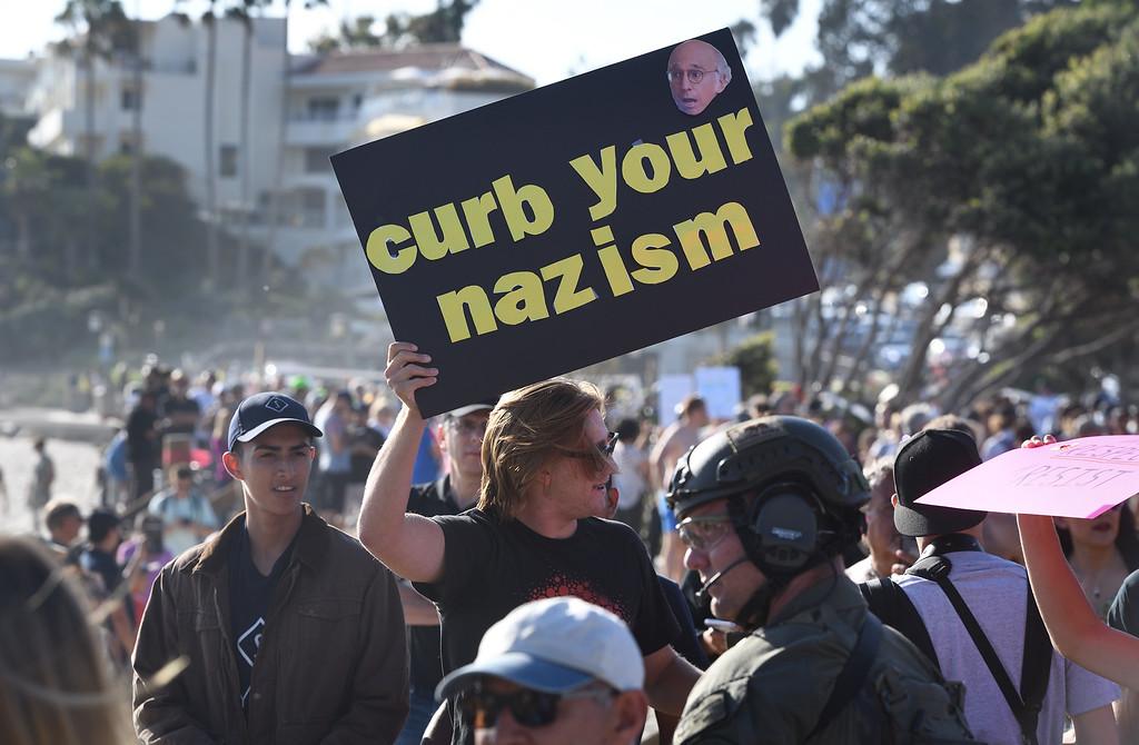 . Demonstration in Laguna Beach. Mindy Schauer, Orange County Register/SCNG