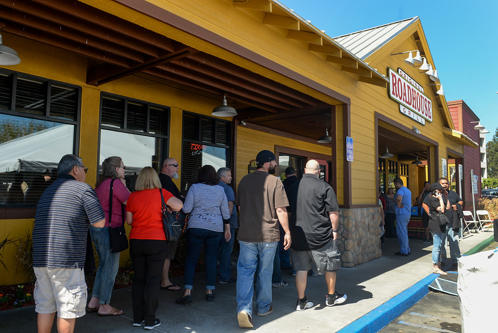 . Patrons line up as 0thewners of the Original Roadhouse Grill are donating 100 percent of the restaurant\'s profits to the family of slain Whittier Police Officer Keith Boyer on Thursday March 9, 2017. (Photo by Keith Durflinger/Whittier Daily News/SCNG)