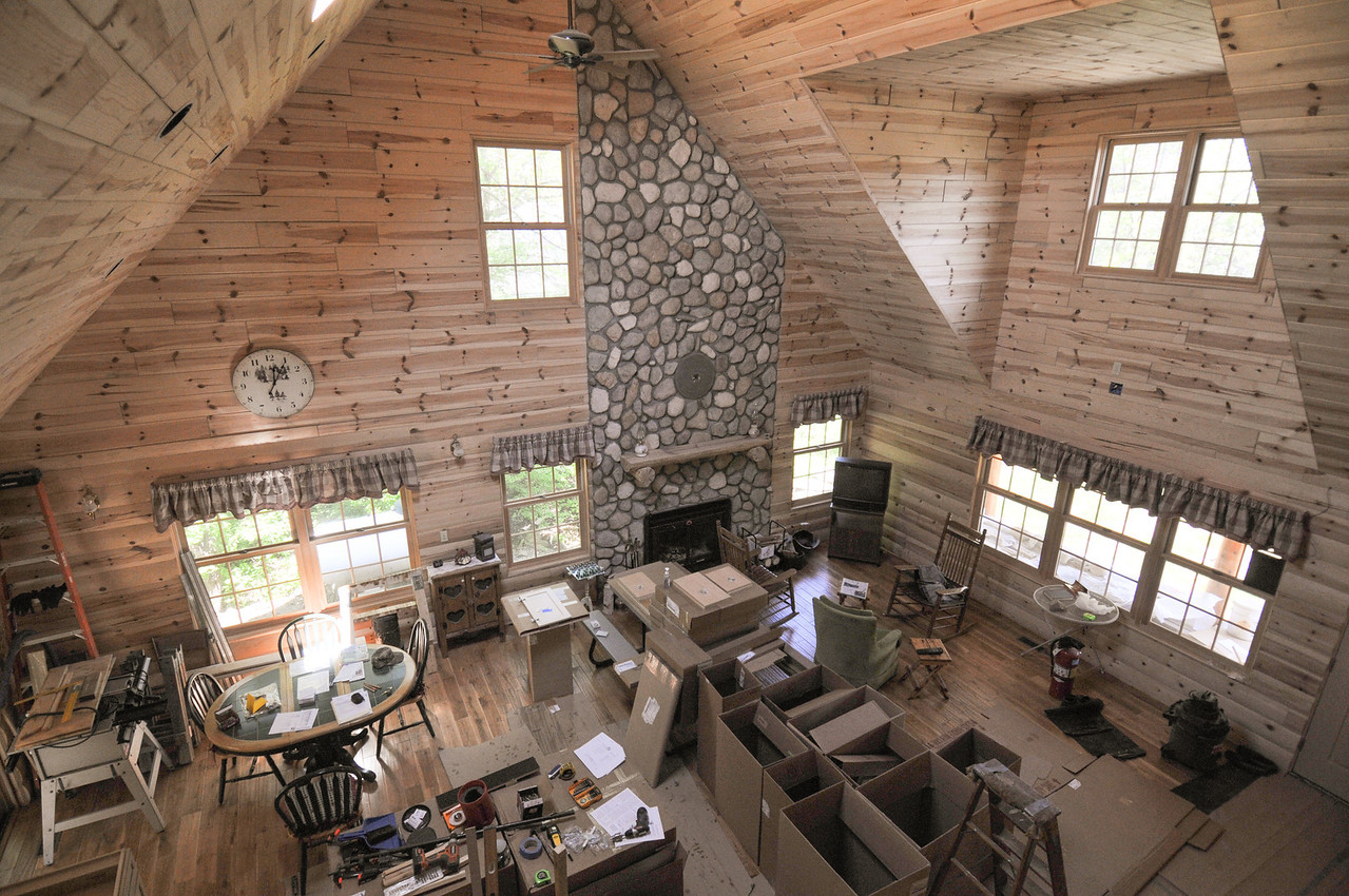 Inside the Mandziuk's new log home - May 2009