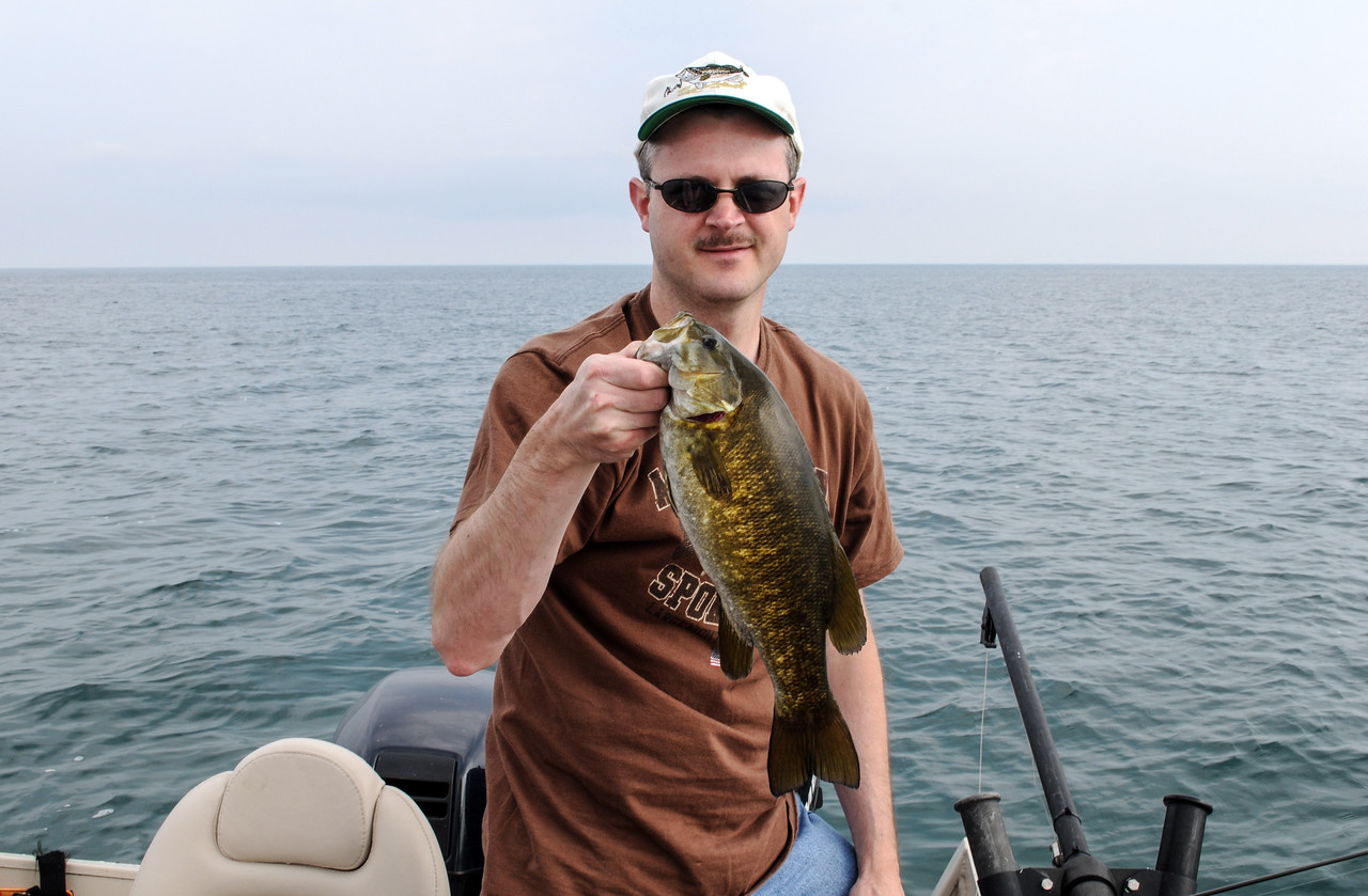 Eric with nice Smallmouth - September 2008