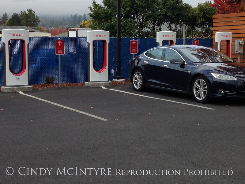 Tesla charging station, Grants Pass OR (1)