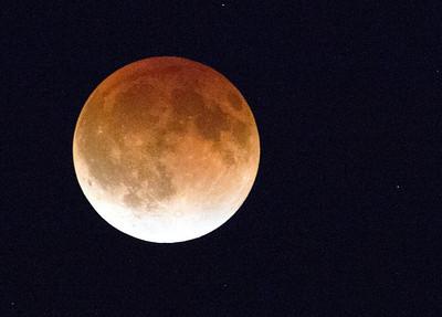 Moon closer C0494