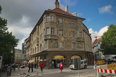 Munich_Germany_Painted_Building_RAW2883