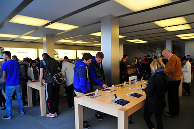 Munich_Germany_Apple-store_RAW2963