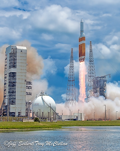 NROL-37 Delta IV Heavy Launch