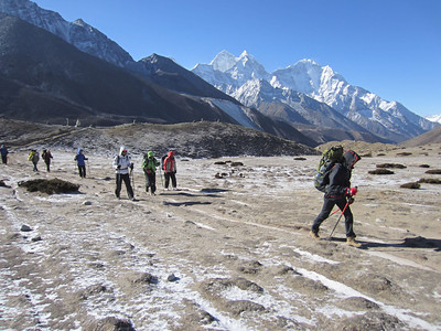 Khumbu orgu mööda üles