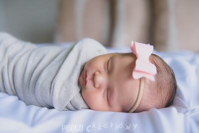 {Newborn} Finlee (105 of 41)