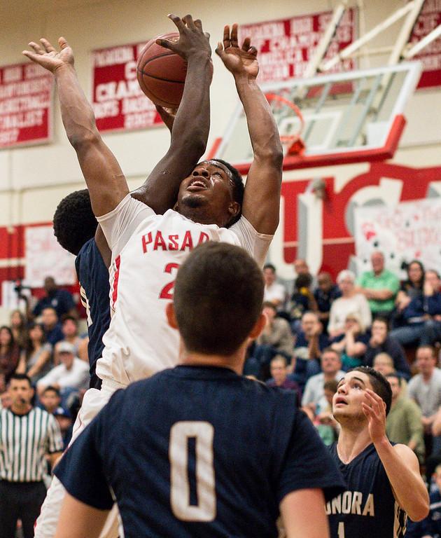 . Sonora defeats Pasadena 60-57 Tuesday night, February 24, 2015 at Pasadena High School. (Photo by Sarah Reingewirtz/Pasadena Star-News)