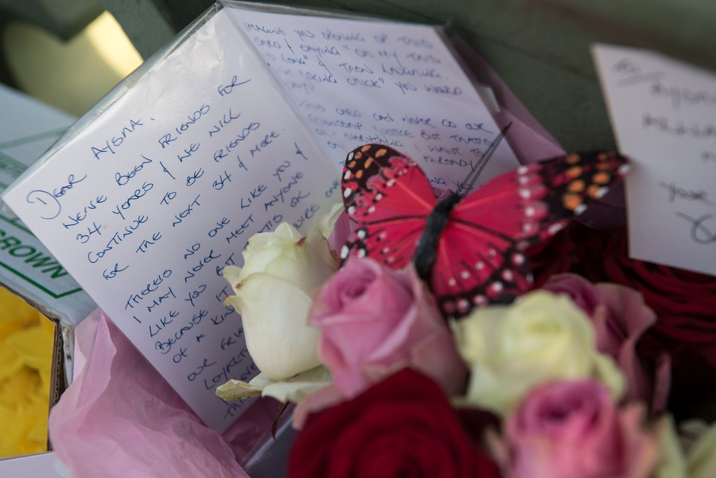 ". Floral tributes and messages of condolence for the victims are pictured on Westminster Bridge in central London on March 24, 2017 two days after the March 22 terror attack on the British parliament and Westminster Bridge. British police said on March 24 they had made two further ""significant\"" arrests over the Islamist-inspired terror attack on parliament, as they appealed for information about the homegrown killer who left four people dead. Nine people are now in custody over the March 22 rampage in Westminster, in which at least 50 people were injured, 31 requiring hospital treatment, counter-terrorism commander Mark Rowley said. (CHRIS J RATCLIFFE/AFP/Getty Images)"