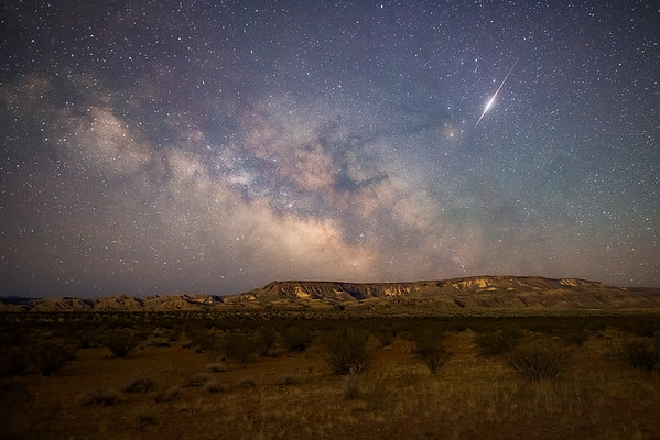 Milky Way South of St George with a Meteor