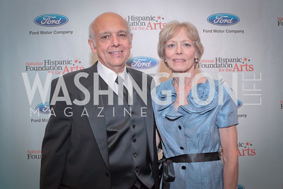 Joe Cerguone, Ginny Richards. Noche de Gala. Renaissance Mayflower Hotel Photo by Alfredo Flores.JPG