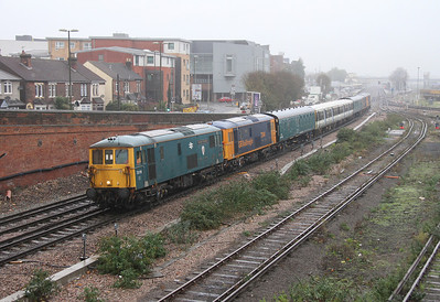 73119 Eastleigh 06/11/13 7Y08 Eastleigh to Southampton Western Docks with 73141 plus coaches from 508210 and 508208 with 73212 and 73136 on the rear