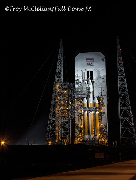 The Orion EFT-1/Delta IV Heavy during tower rollback.