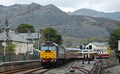 47802 is dwarfed by the unique landscape of Blaenau Ffestiniog as it waits to work the 1Z55 1615 return to Burnley (22/09/2010)