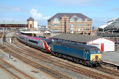 57315 waits to depart Holyhead with 1A55 1436 to London Euston (11/09/2010)