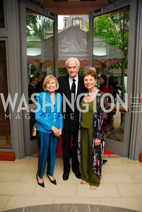 Charlotte Schlossberg,Hank Schlossberg,Geraldine Pilzer,Phillips Collection Gala 2011.May 13,2011,Kyle Samperton