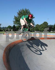 Skateboarding 0948