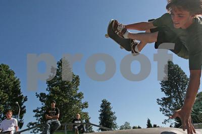 Skateboarding 1016