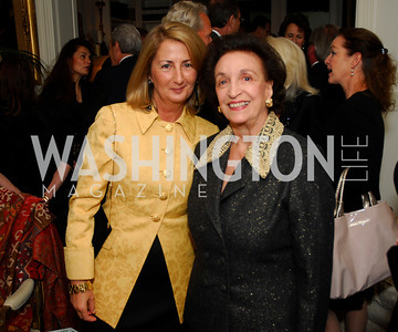 Theresa Dezcaller,Lucky Roosevelt,November 18,2011,Reception for the Ambassador of Hungary,Kyle Samperton