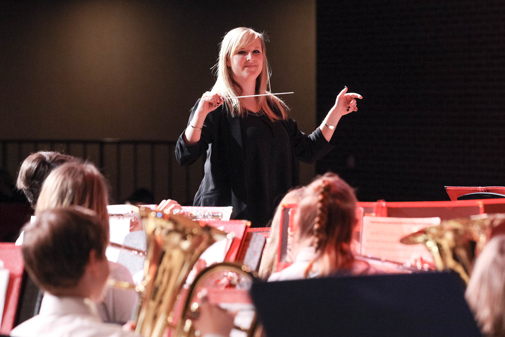 """Tibby McDowell   The Sheridan Press<br /> <br /> Band director Erin Knutson leads the beginning band during the Sheridan Junior High School """"Pops"""" Concert at Early Auditorium Thursday Feb. 8, 2018."""