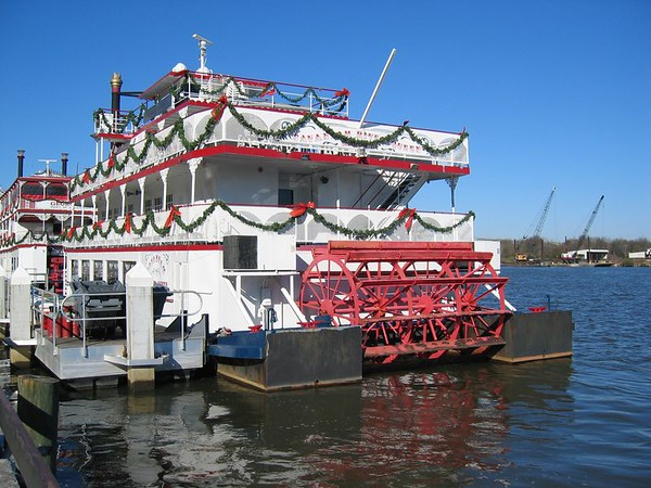 River boat cruise readying for New Years Eve.