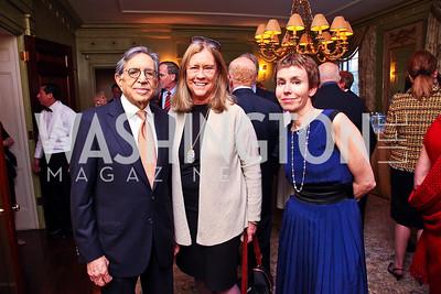 Ronald Dozoretz, Catherine Stevens, Meryl Chertoff. Senator Scott Brown Book Party. Photo by Tony Powell. Berman residence. April 6, 2011