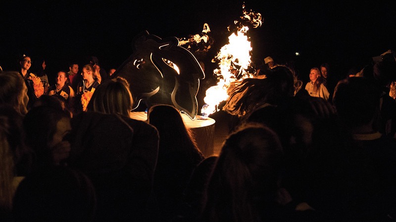 Matthew Gaston | The Sheridan Press<br>Sheridan High School students get fired up Homecoming Wednesday, Oct. 3, 2018.