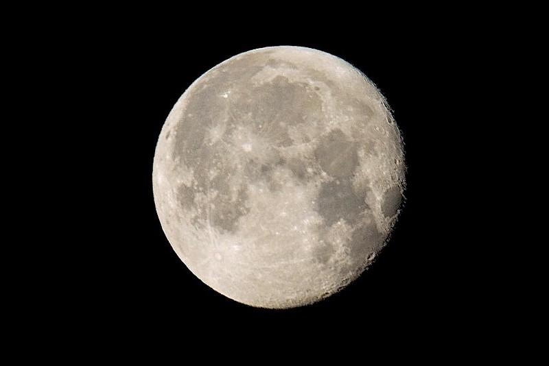 Moon-4862