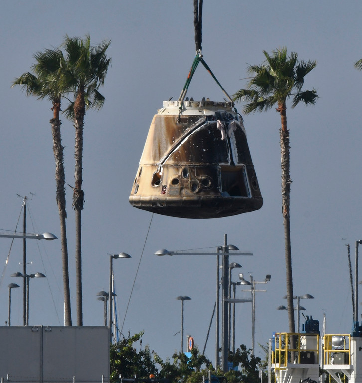 . July 4, 2017. San Pedro CA.  SpaceX�s Dragon spaceship made space history by being the first to use the same capsule in two different missions .  The SpaceX capsule carried more than 4,100 pounds of cargo and research specimens, descended to a predawn splashdown Monday in the Pacific Ocean southwest of Los Angeles, completing the first re-flight of one of SpaceX�s un-piloted supply ships to the International Space Station. Photo by Gene Blevins/Los Angeles DailyNews/SCNG