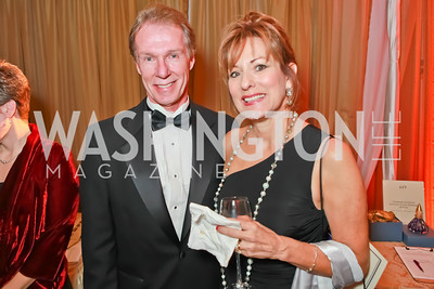 Bob Nelson, Carol Nelson. Starlight Taste of the Stars Gala. Four Seasons Georgetown. November 19, 2011. Photo by Alfredo Flores