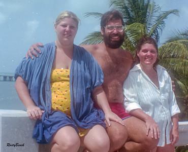 Martha,Rudy&MargretJuly82